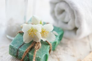 Spa composition with jasmine flowers