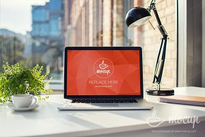 PSD Mockup MacBook Office