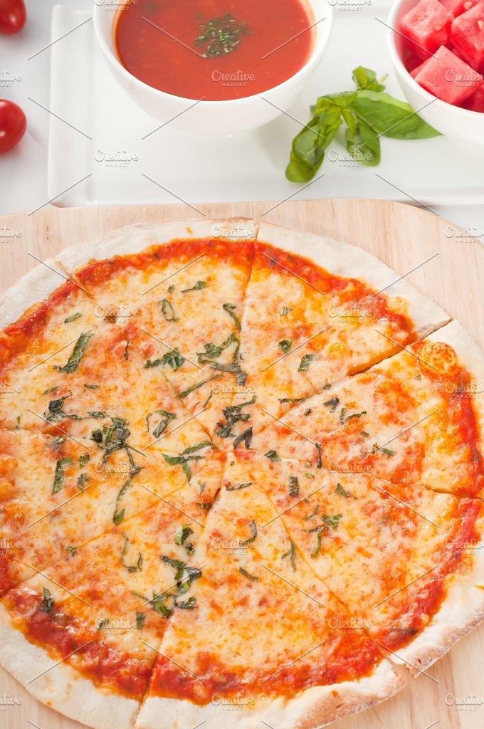 pizza 10.jpg - Food & Drink