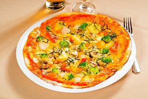 vegetables pizza  04.jpg