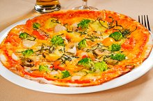 vegetables pizza  07.jpg