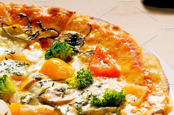 vegetables pizza 09.jpg - Food & Drink