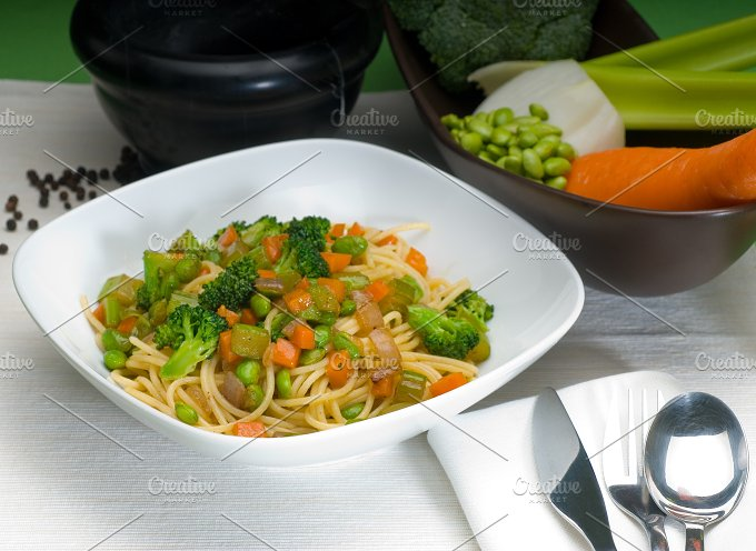 vegetables pasta.jpg - Food & Drink