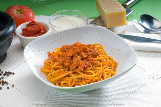 tomato and chicken pasta 10.jpg - Food & Drink