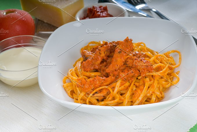 tomato and chicken pasta 15.jpg - Food & Drink