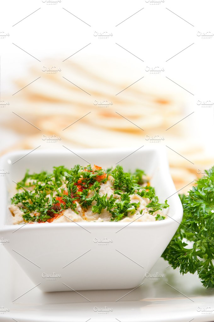 Baba Ghanoush eggplant dip and pita bread 04.jpg - Food & Drink