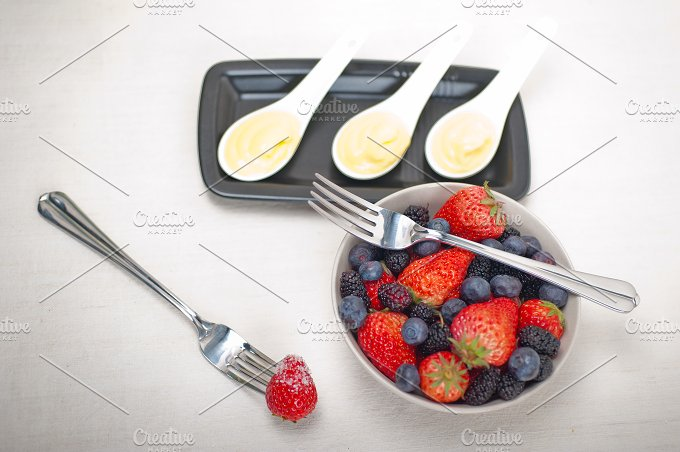 berry 10.jpg - Food & Drink