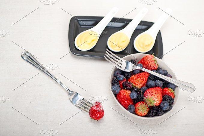 berry 11.jpg - Food & Drink