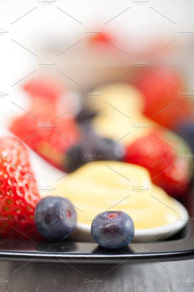 berry 26.jpg - Food & Drink