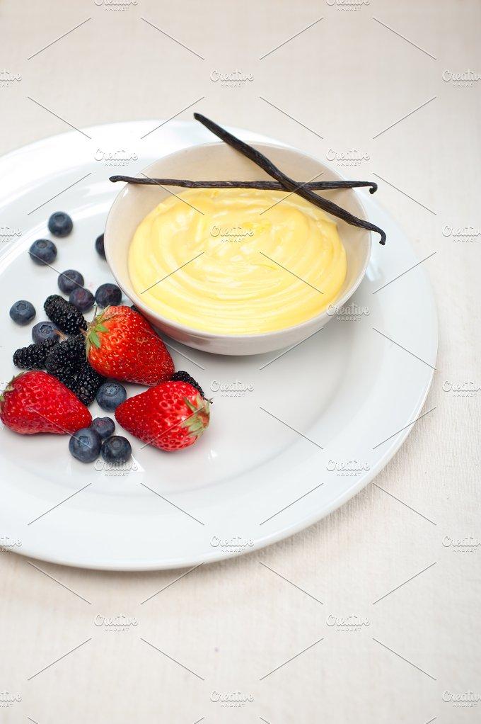 vanilla custard pastry cream 06.jpg - Food & Drink