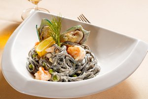 black spaghetti and seafood15.jpg