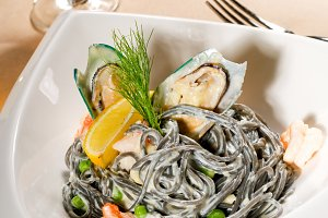 black spaghetti and seafood03.jpg