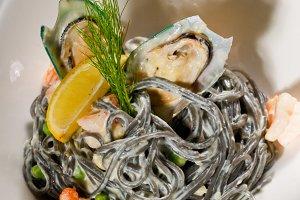 black spaghetti and seafood04.jpg