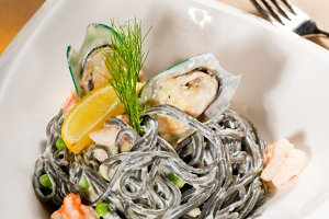 black spaghetti and seafood01.jpg