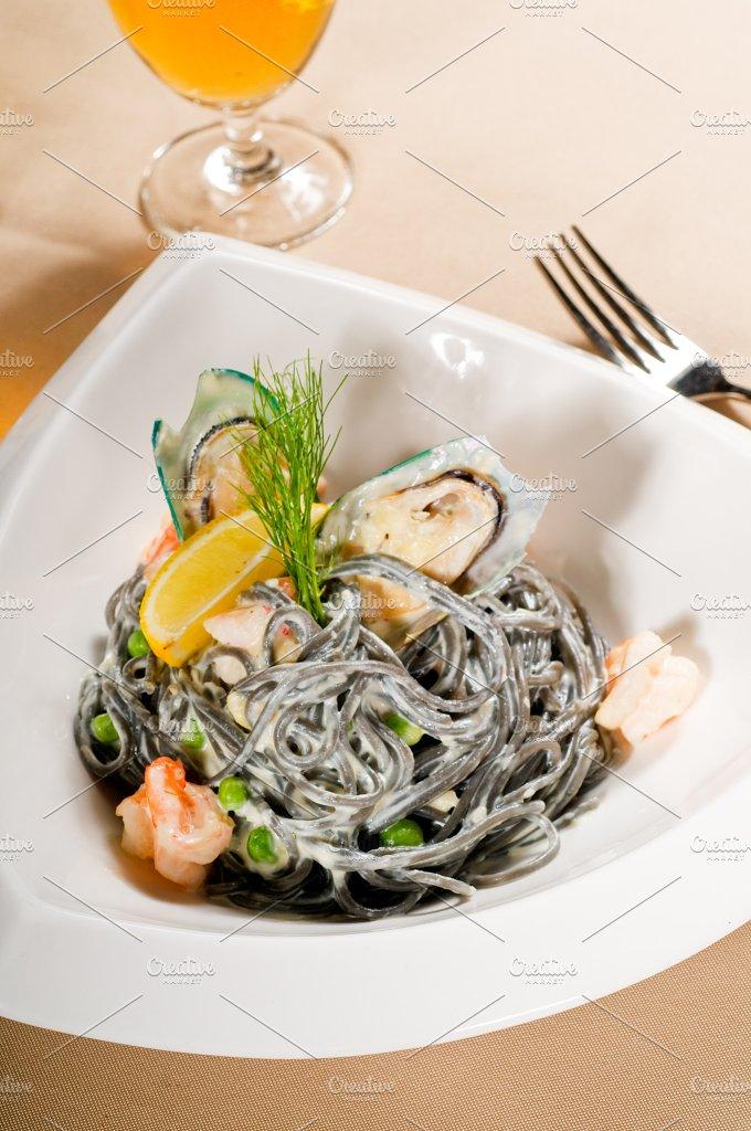 black spaghetti and seafood01.jpg - Food & Drink