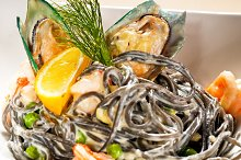 black spaghetti and seafood09.jpg
