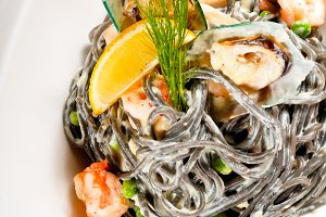 black spaghetti and seafood10.jpg