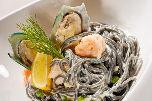 black spaghetti and seafood12.jpg