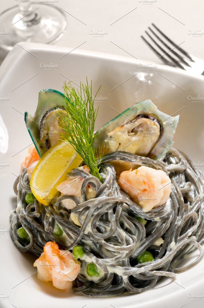black spaghetti and seafood13.jpg - Food & Drink