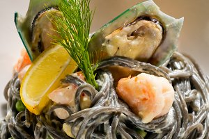 black spaghetti and seafood14.jpg