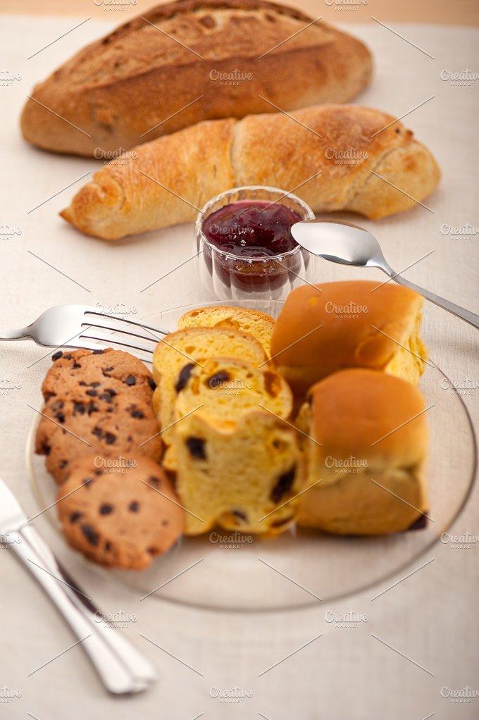 breakfast bread and berry jam 26.jpg - Food & Drink