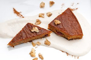 carrots and walnuts cake pie 04.jpg
