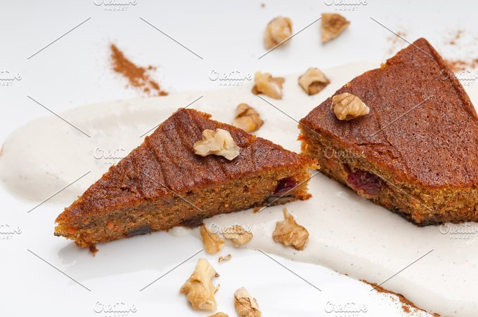 carrots and walnuts cake pie 05.jpg - Food & Drink