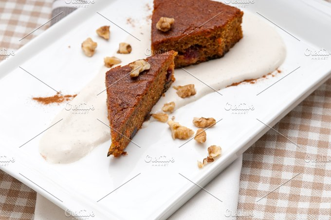 carrots and walnuts cake pie 02.jpg - Food & Drink