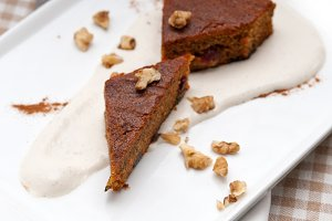 carrots and walnuts cake pie 01.jpg