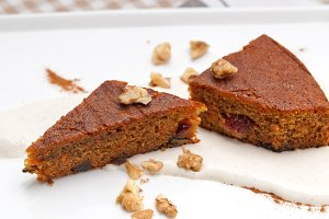 carrots and walnuts cake pie 07.jpg