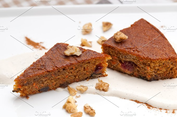 carrots and walnuts cake pie 07.jpg - Food & Drink
