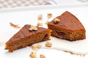 carrots and walnuts cake pie 08.jpg