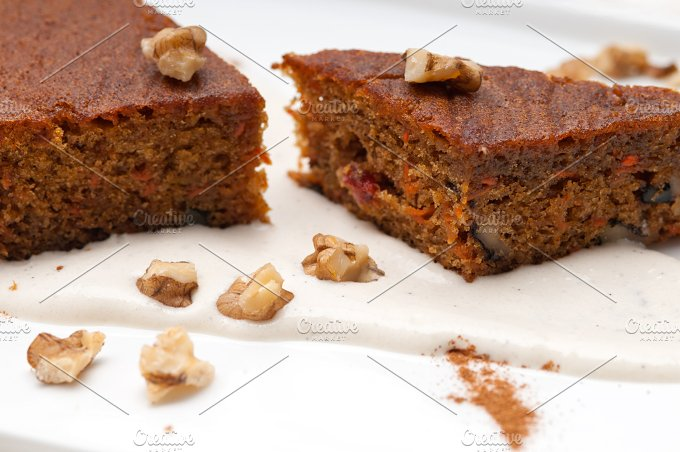 carrots and walnuts cake pie 19.jpg - Food & Drink