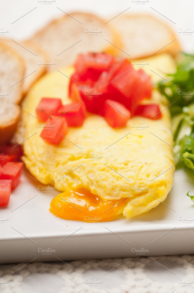 cheese omelette and salad 21.jpg - Food & Drink