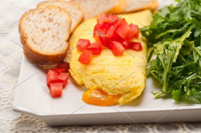 cheese omelette and salad 25.jpg - Food & Drink