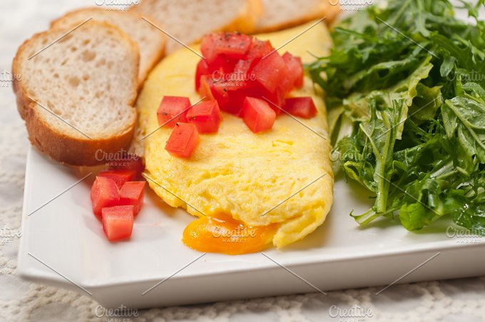 cheese omelette and salad 24.jpg - Food & Drink