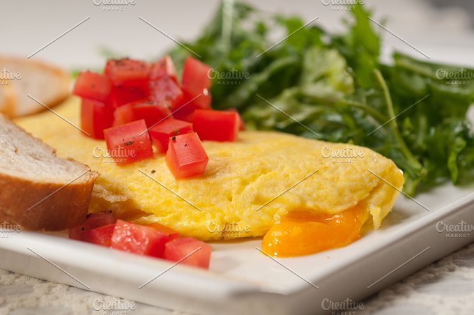 cheese omelette and salad 26.jpg - Food & Drink
