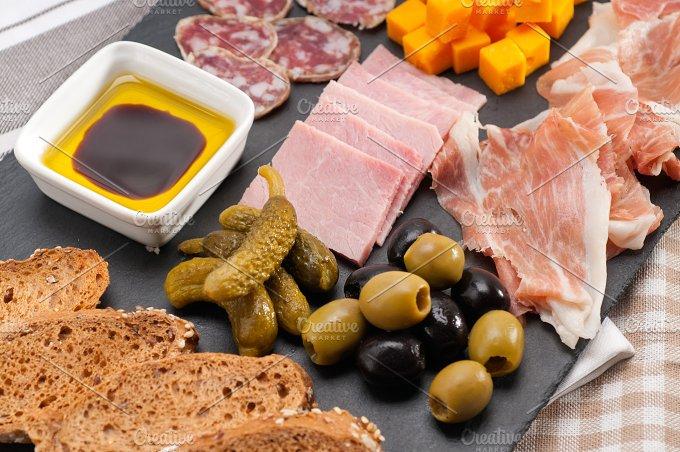 cold cutts platter appetizer 12.jpg - Food & Drink