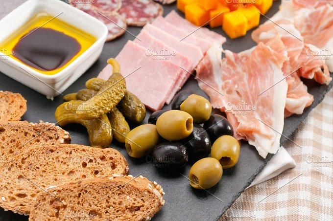cold cutts platter appetizer 14.jpg - Food & Drink