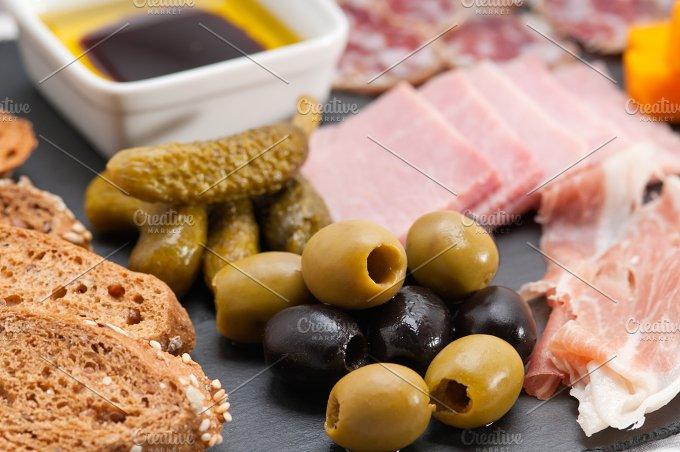 cold cutts platter appetizer 17.jpg - Food & Drink