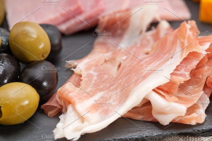 cold cutts platter appetizer 18.jpg - Food & Drink