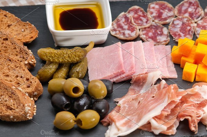 cold cutts platter appetizer 19.jpg - Food & Drink