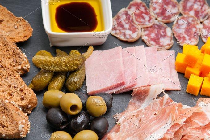 cold cutts platter appetizer 26.jpg - Food & Drink
