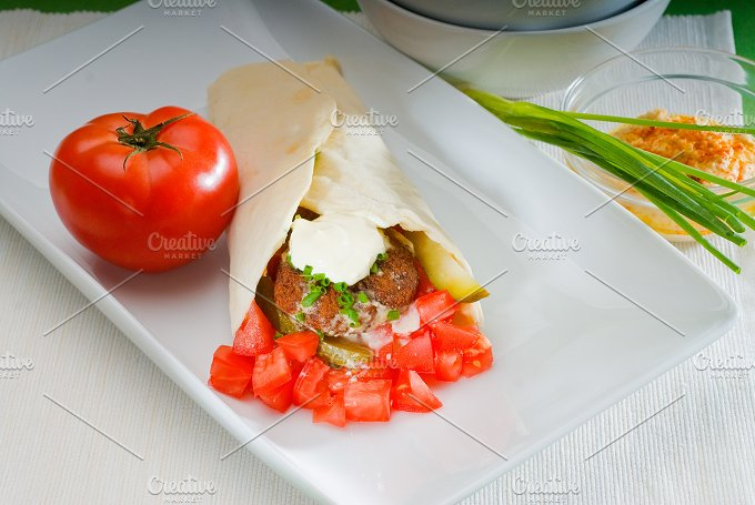 falafel wrap 25.jpg - Food & Drink
