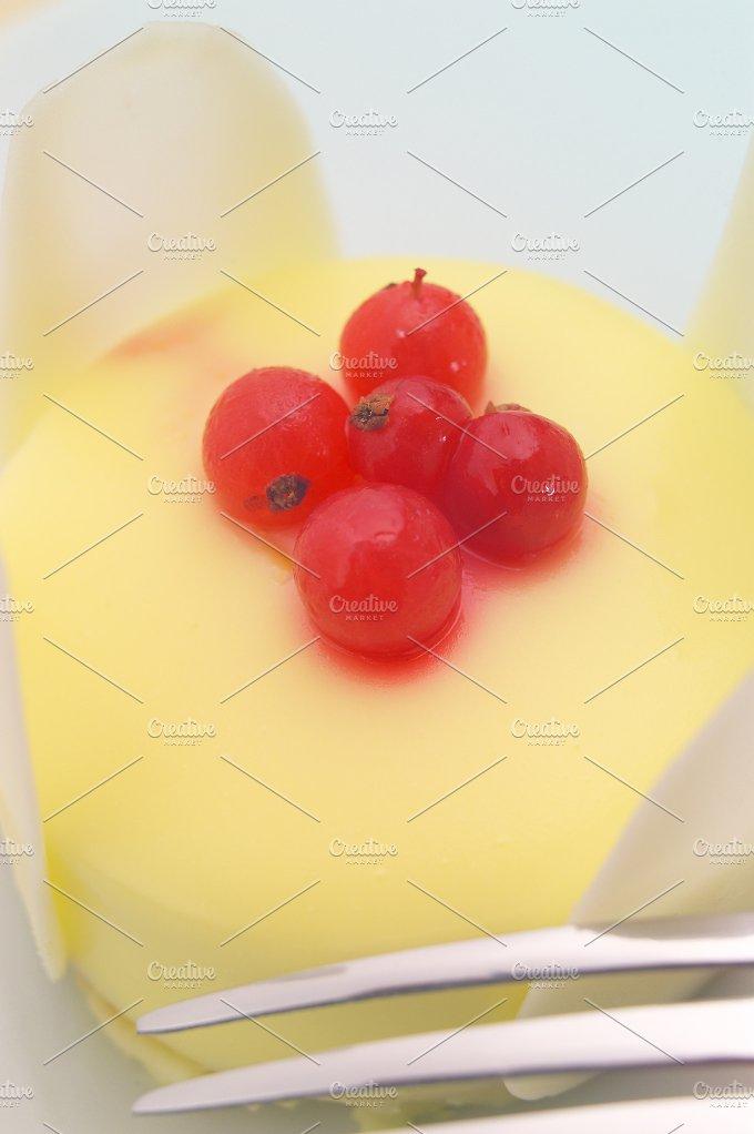 fresh fruit cake dessert H10 6.jpg - Food & Drink