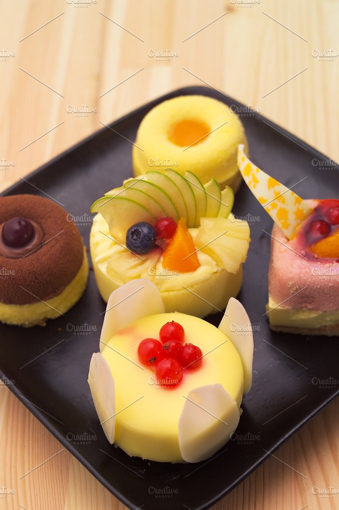 fresh fruit cake dessert H10 24.jpg - Food & Drink
