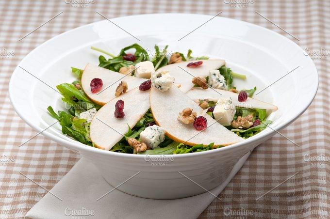 fresh pears arugola and gorgonzola salad 01.jpg - Food & Drink