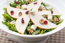 fresh pears arugola and gorgonzola salad 03.jpg