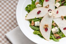 fresh pears arugola and gorgonzola salad 09.jpg