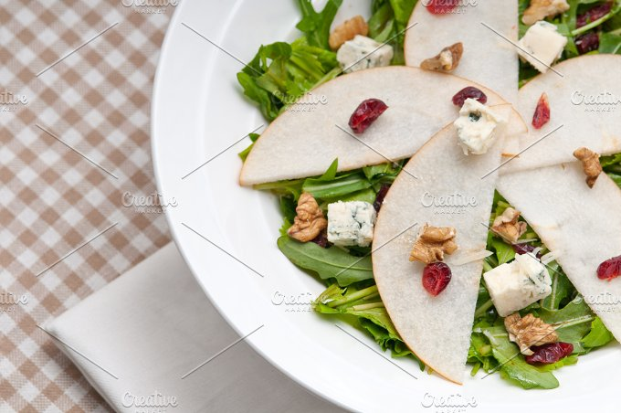 fresh pears arugola and gorgonzola salad 09.jpg - Food & Drink